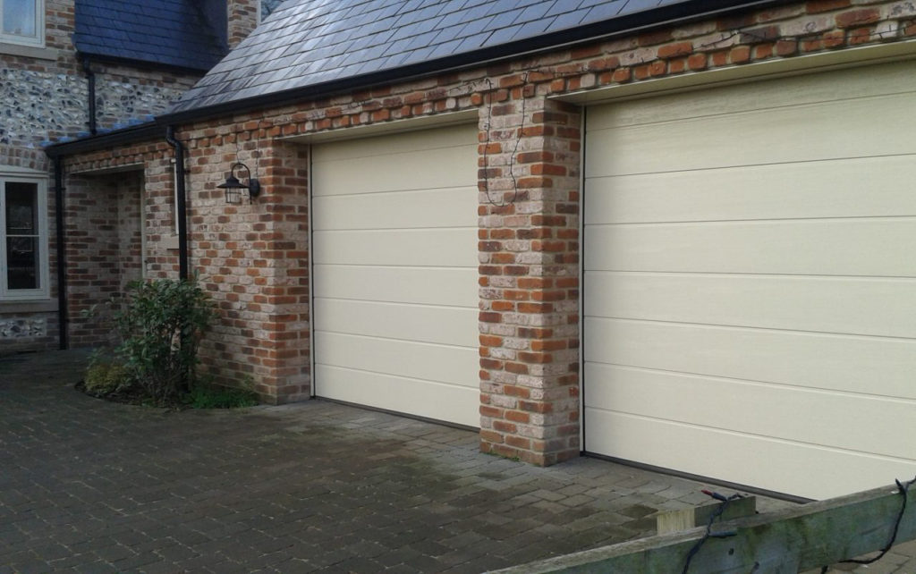 Devis porte de garage prix porte de garage sur mesure - Prix porte de garage ...