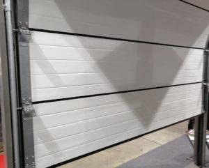 Intérieur d'une porte de garage sectionnelle